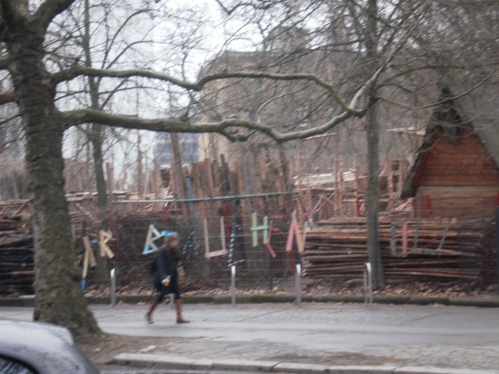 On the Superiority of German Playgrounds: A Photo-Essay with a Dubious Argument and One-sided Evidence (2/6)