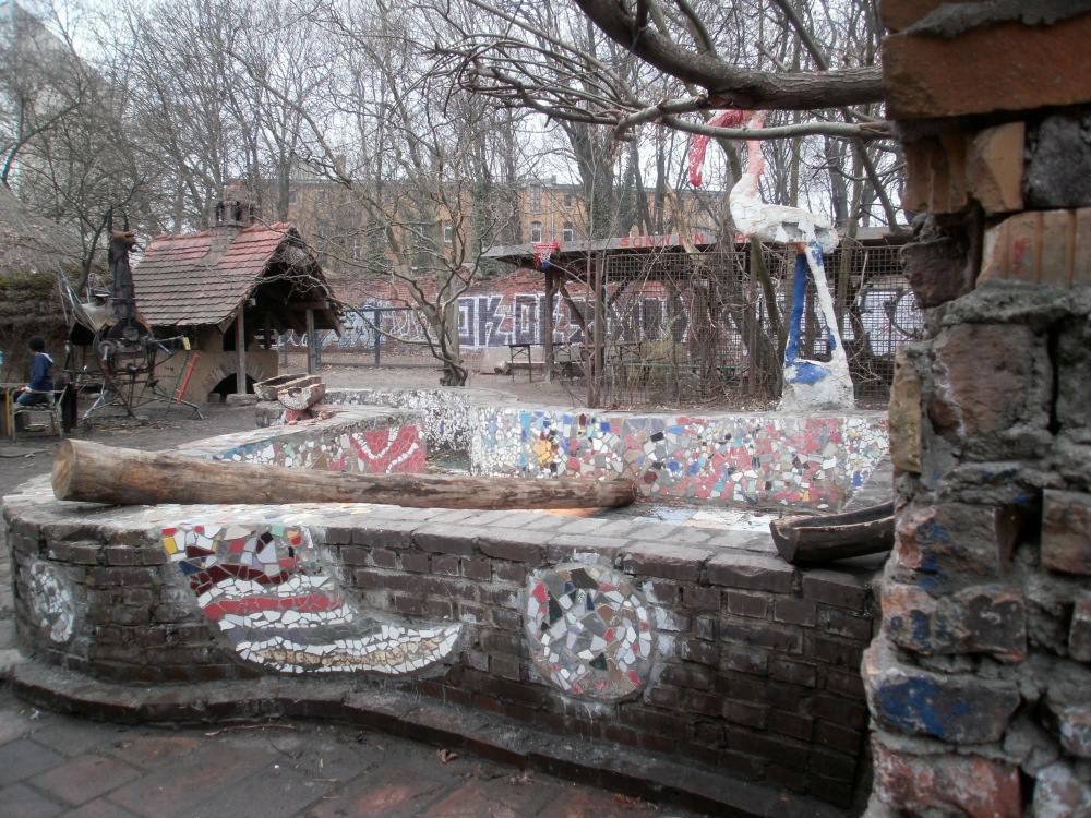 On the Superiority of German Playgrounds: A Photo-Essay with a Dubious Argument and One-sided Evidence (4/6)